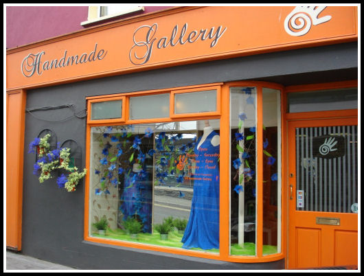 V&S Handmade Gallery, Trim - Tel: 046 94 37598